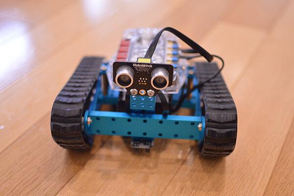 mBot(エムボット)| ロボットのセンサーをプログラムで制御します。