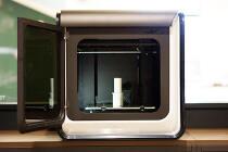 3D プリンター