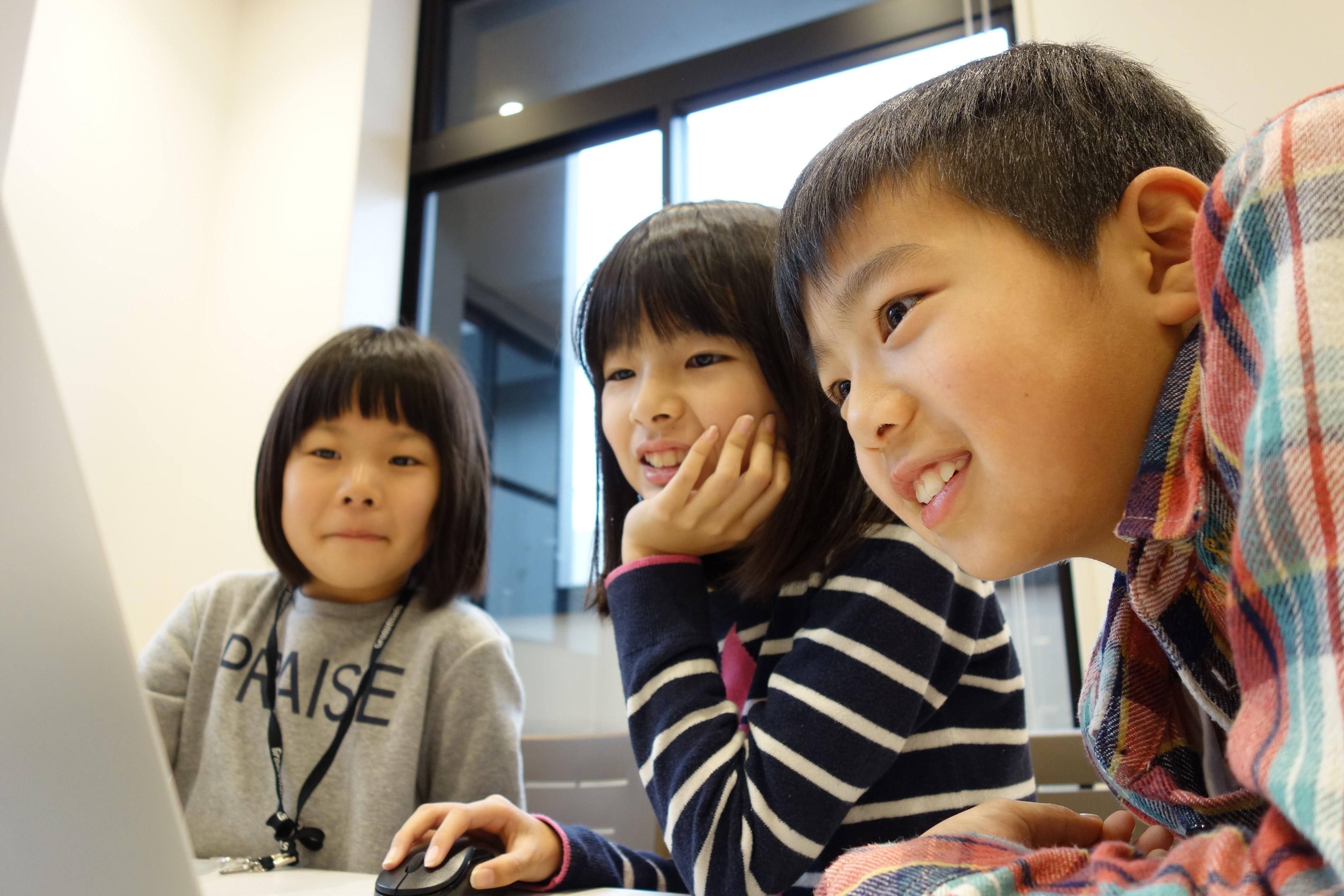 プログラミングや工作を体験できるオープンスクールを開催します